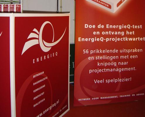 Beursstand Energieq kubus en rolbanner